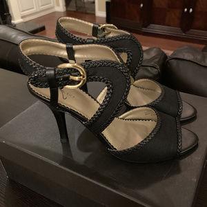 NEW Tahari Ta-Lima Blk Heels, Size 9